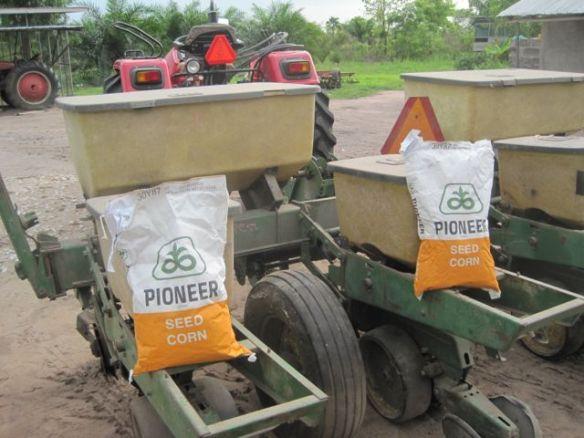 Pioneer seed corn planter