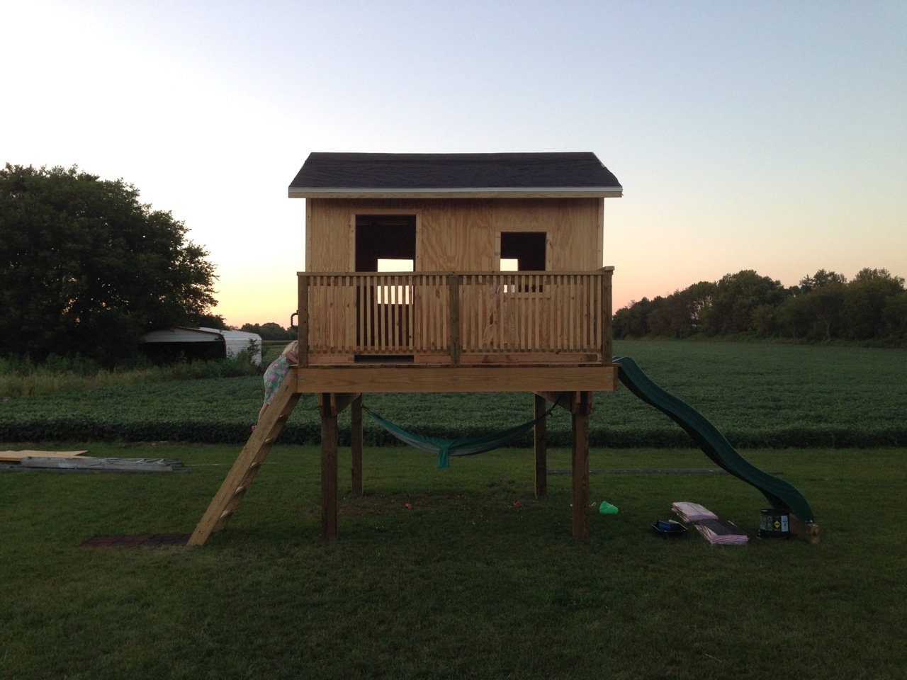 Do you want to build a treehouse living in pursuit for Treeless treehouse